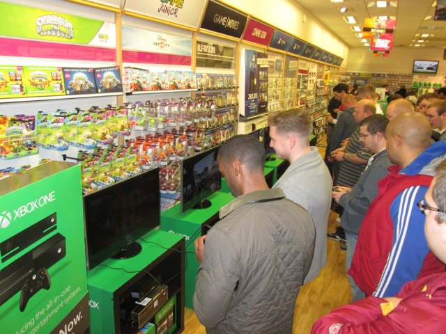GAME Store Event Gallery - Xbox One Lock In Events