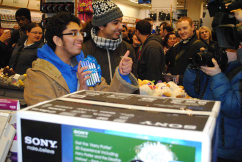 First inline for the PS Vita at GAME's midnight launch