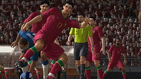 Pro Evolution Soccer 2008 screen shot 4