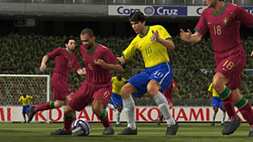 Pro Evolution Soccer 2008 screen shot 9