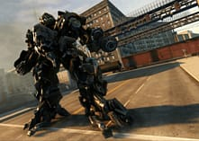 Transformers: Revenge of The Fallen screen shot 5