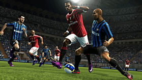 Pro Evolution Soccer 2013 screen shot 7