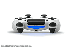 DualShock 4 - Glacier White screen shot 3