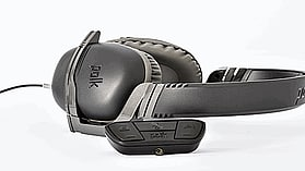 Polk Striker Headset For Xbox One - Black screen shot 3