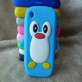 Cute Penguin Style Silicone Case Cover For BlackBerry Curve 8520 8530 9300 - Blue Mobile phones