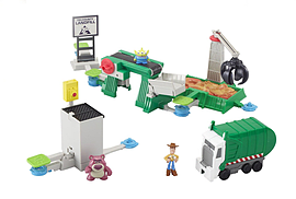 Toy Story 3 Action Links Junkyard Escape Stunt Set Figurines and Sets