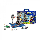 Kre-O CityVille Invasion Mayhem's Prison Break 250 Piece Playset screen shot 2