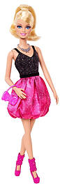 Barbie - Core Friends Party Doll - Barbie Black/pink Dress Figurines and Sets