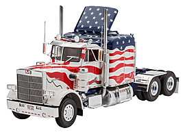 Marmon Conventional Stars and Stripes 1:25 Scale Model Kit Figurines and Sets