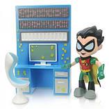 Teen Titans Go Robin With Detective Desk Mini Figure screen shot 1