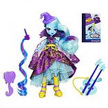 Equestria Girls Trixie Lulamoon Fashion Doll screen shot 1