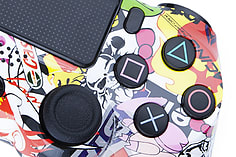 Playstation 4 Controller -Sticker Bomb screen shot 1