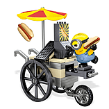 Mega Bloks Minions Small Playset - Flying Hot Dog Cart screen shot 2