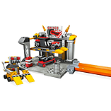 Mega Bloks Hot Wheels Grease Pit Garage Playset screen shot 2