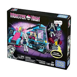 Mega Bloks Monster High Frankie Stein's Electrifying Room Building Set Blocks and Bricks
