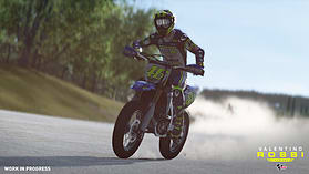 MotoGP16: Valentino Rossi screen shot 4
