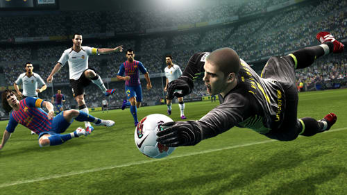 New controls and gameplay come to PES 2013 on PS3, Xbox 360, Wii, 3DS, PC and PSP