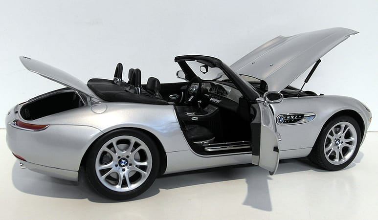 Buy Kyosho 112 Scale 08601s Bmw Z8 James Bond Oo7 The World Is Not
